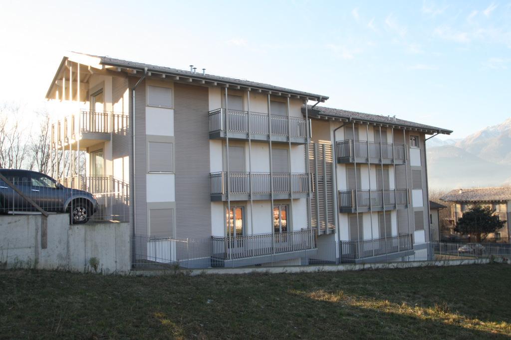 Lago Como Colico Appartamenti con Giardino