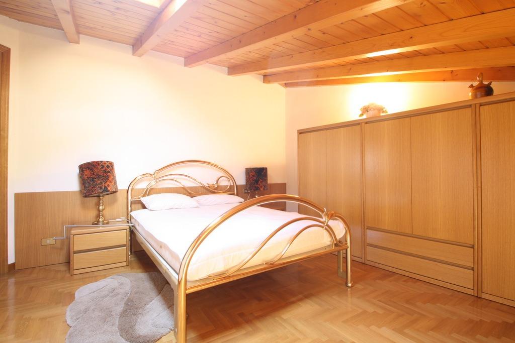 Lago Como Ossuccio Appartamento Fronte Lago