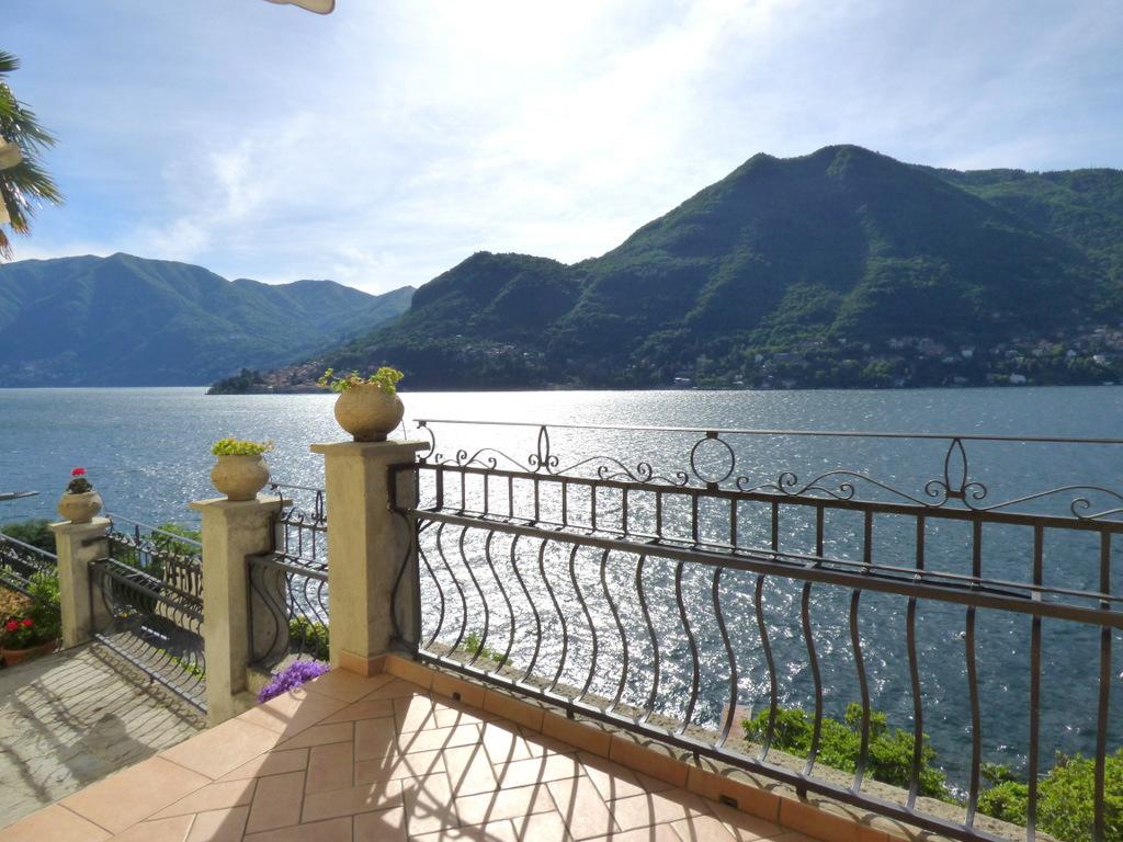 Lago Como Moltrasio Villa d'epoca Dominante il Lago
