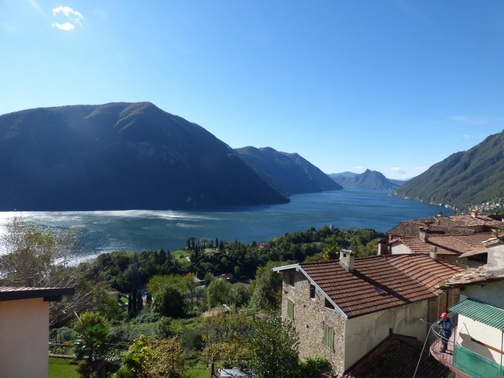 Lago Como Valsolda Appartamento con Bellissima Vista Lago