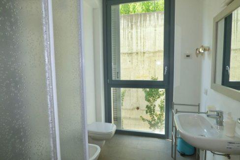 Lago Como Domaso Nuovissimi Appartamenti Vista Lago - bagno con doccia