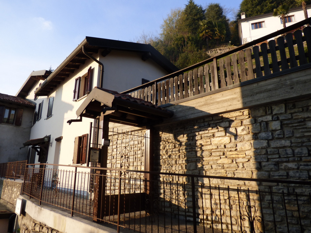 Lago Como Cernobbio Casa con Vista Lago