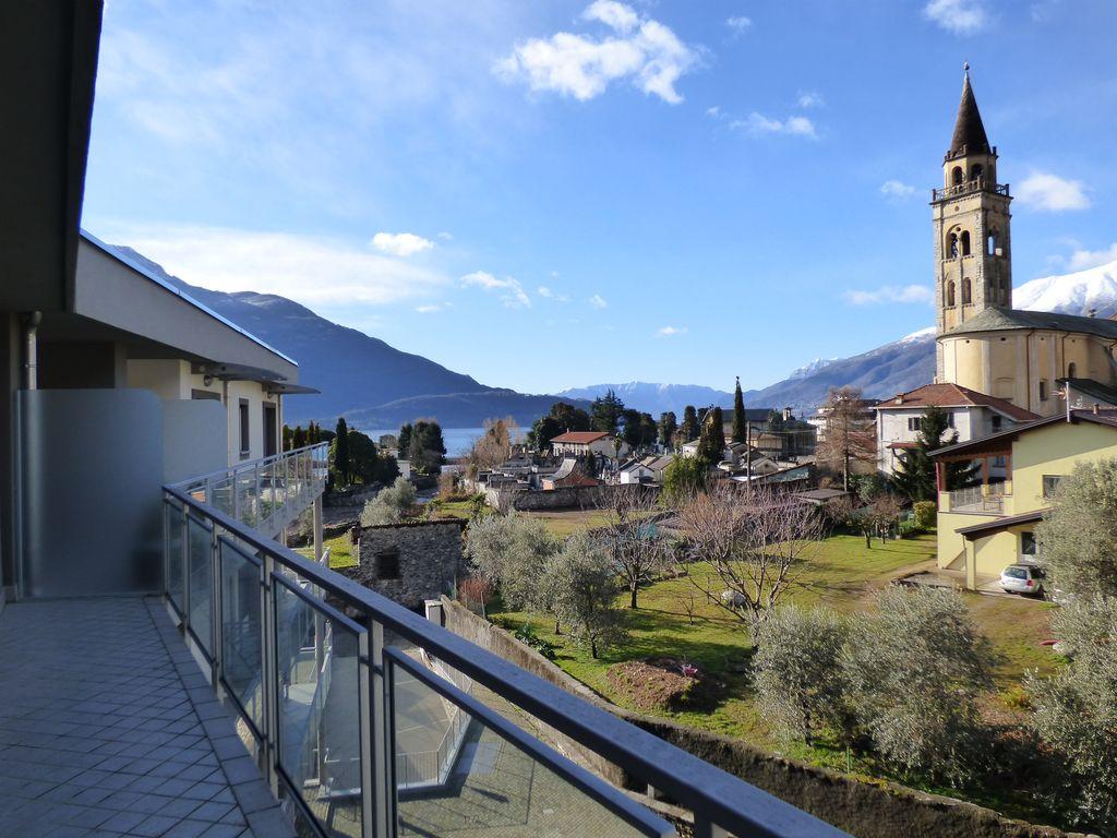 Lago Como Domaso Attico in Residence con Piscina