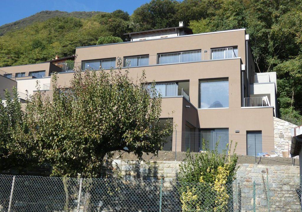 Appartamenti Moderni Gera Lario Lago Como con Piscina posizione soleggiata