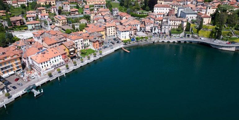 Lago Como Gravedona ed Uniti Appartamenti con terrazzo - lungolago