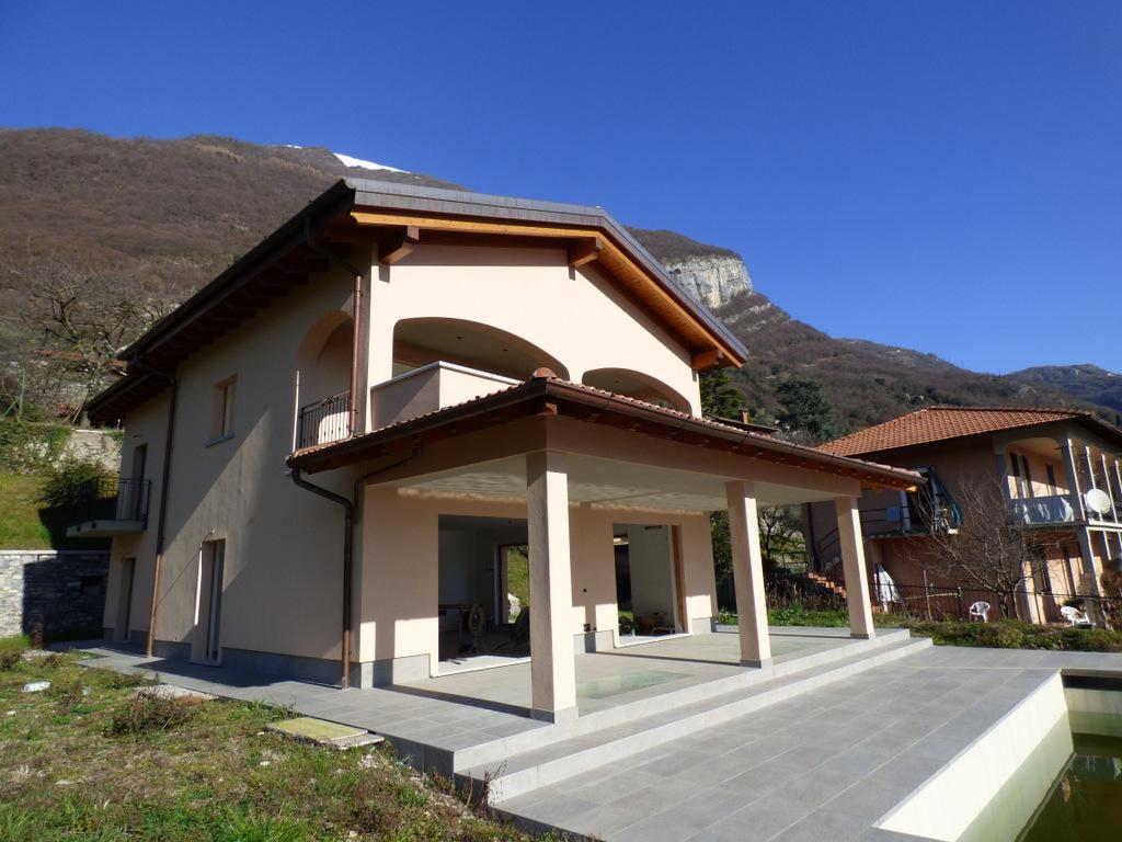 Vendita Villa A Colico Da Tre Pievi