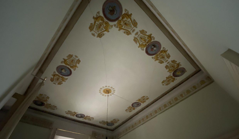 Villa d'epoca Gravedona ed Uniti Lago Como indipendente 3 lati
