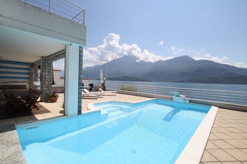 Villa di Lusso Fronte Lago Gravedona ed Uniti Lago Como
