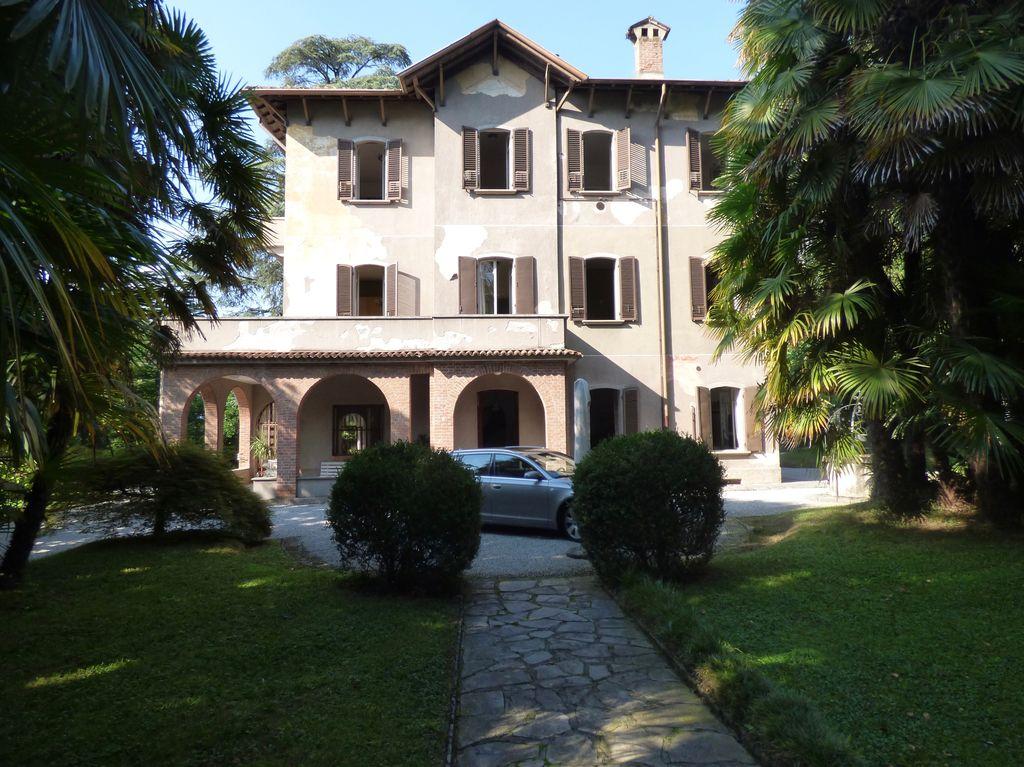 Lago Como Lierna Prestigiosa Villa con Giardino