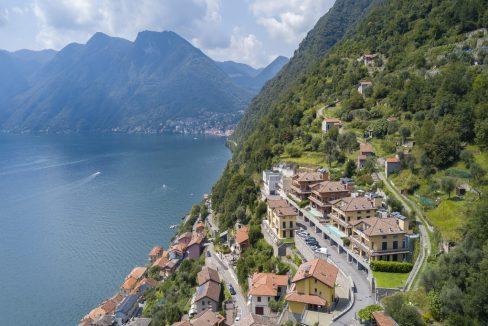 Villa moderna vista lago