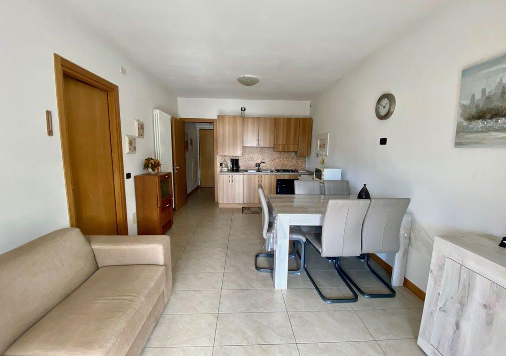 Appartamento Lago di Como Gera Lario con Piscina -cucina