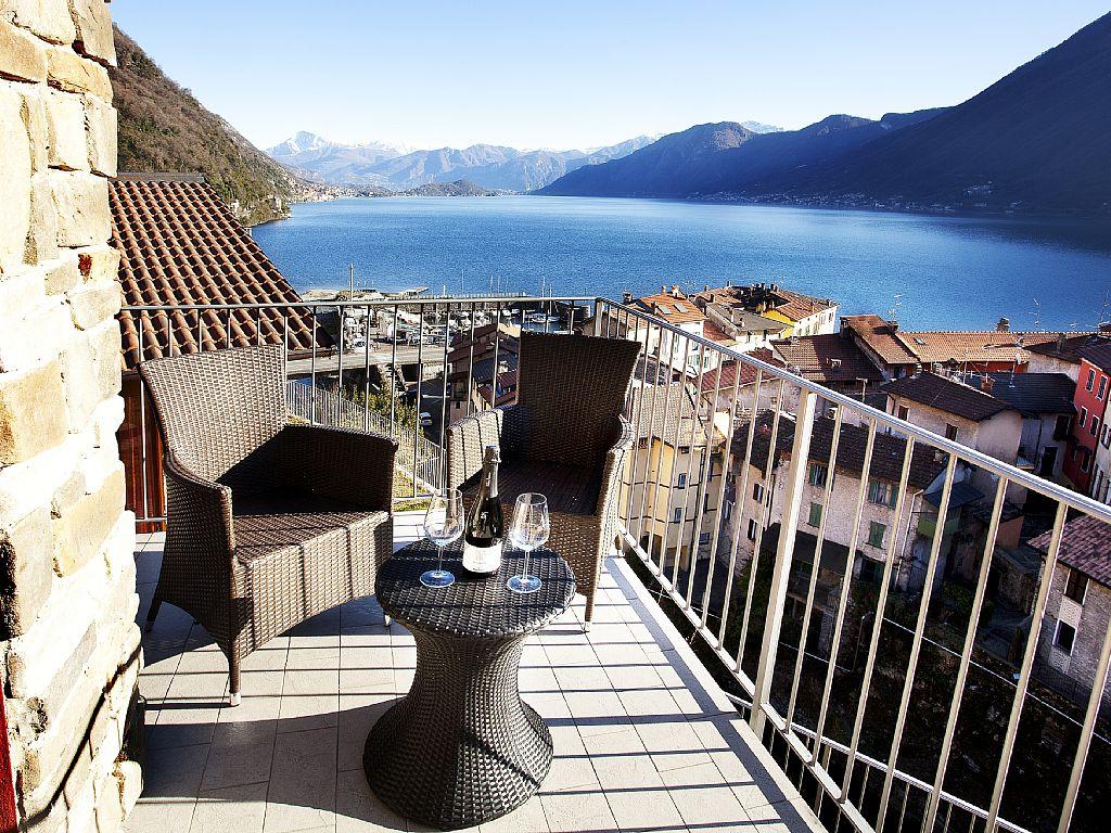 Lago Como Argegno Appartamento con Vista Lago