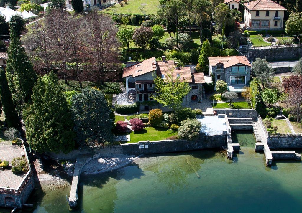 Lago Como Bellagio Villa di Lusso Fronte Lago con Darsena