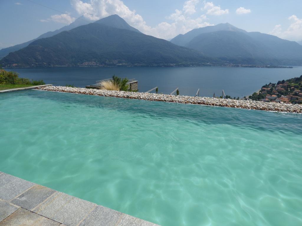 Appartamenti Pianello del Lario Vista Lago Como con piscina