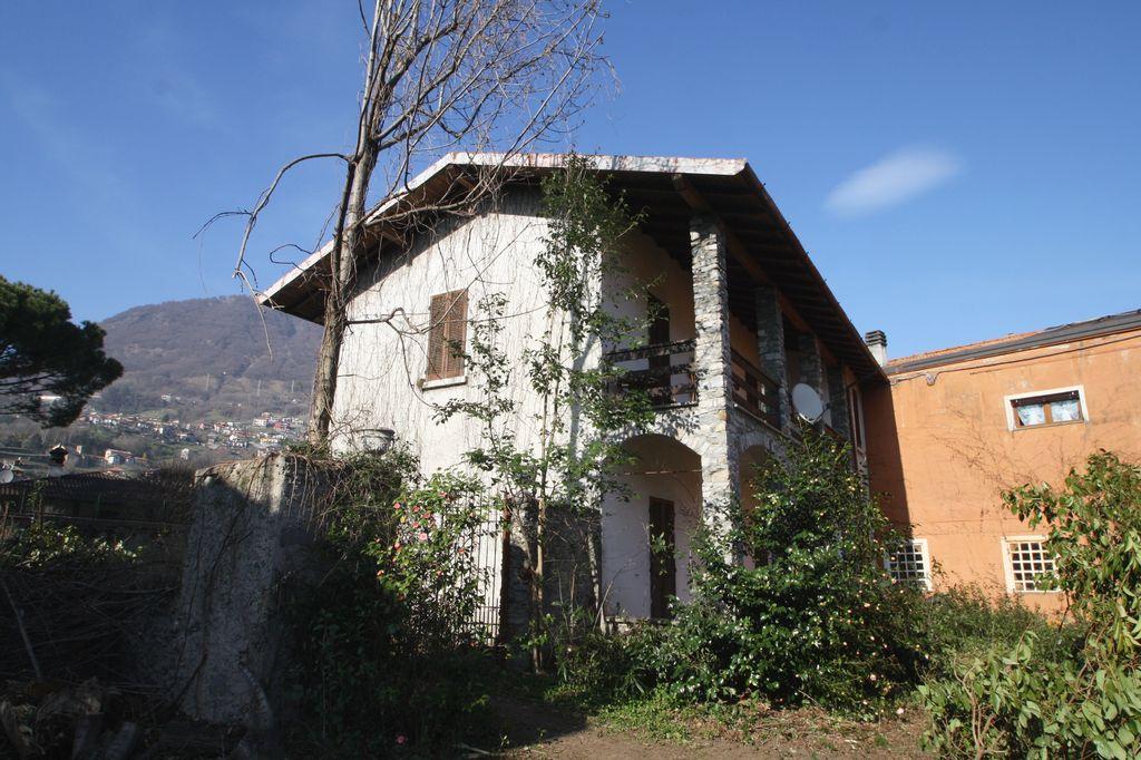Villa Indipendente Domaso con terreno