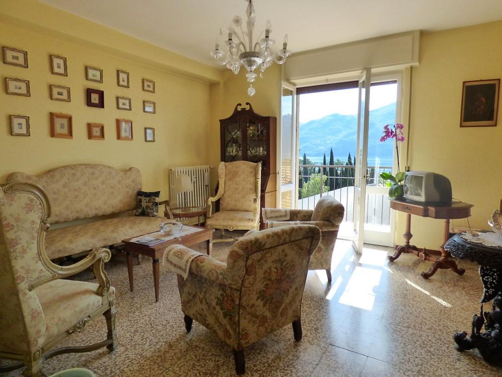 Appartamento Menaggio con balcone e vista lago