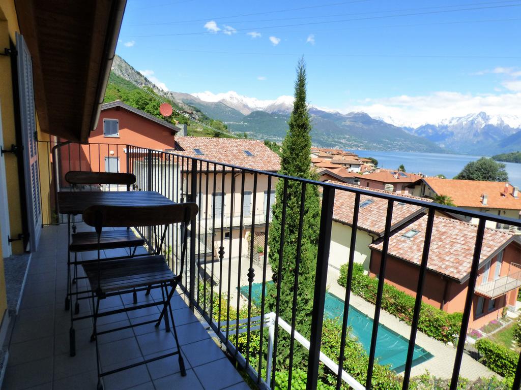 Appartamento Pianello del Lario con piscina e vista Lago