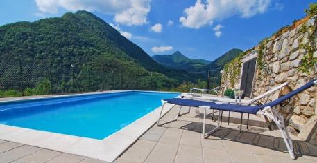 Argegno vista lago con piscina