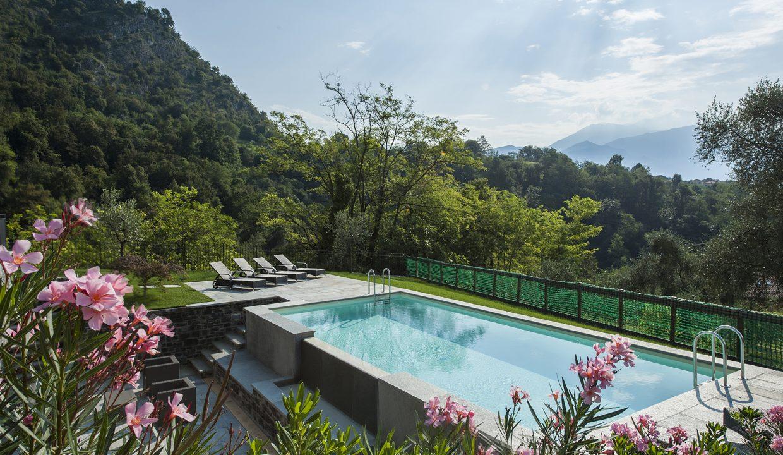 Piscina in villa a Tremezzo - giardino