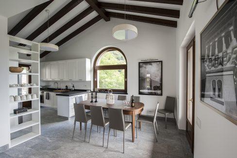 Cucina abitabile - Tremezzo villa indipendente con piscina, giardino e vista lago