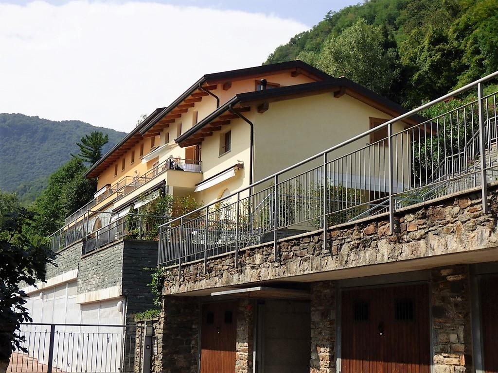 Siro Appartamenti con piscina, terrazzo e vista lago
