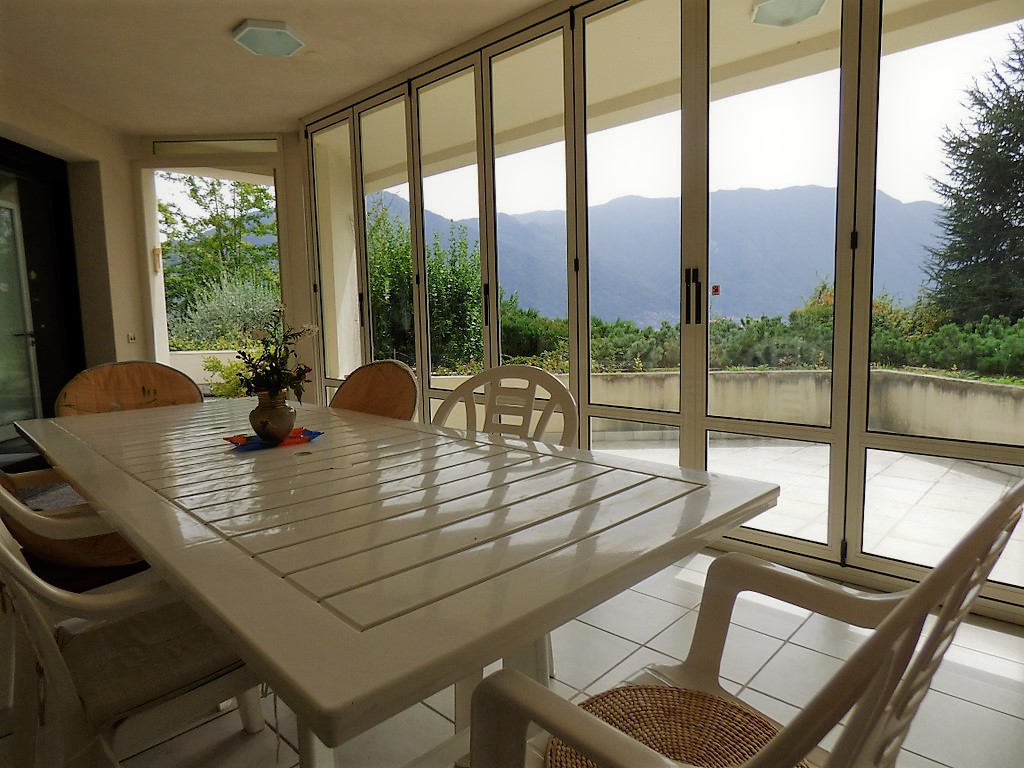 Villa indipendente tremezzo con parco terrazzo e vista - Terrazzo coperto ...