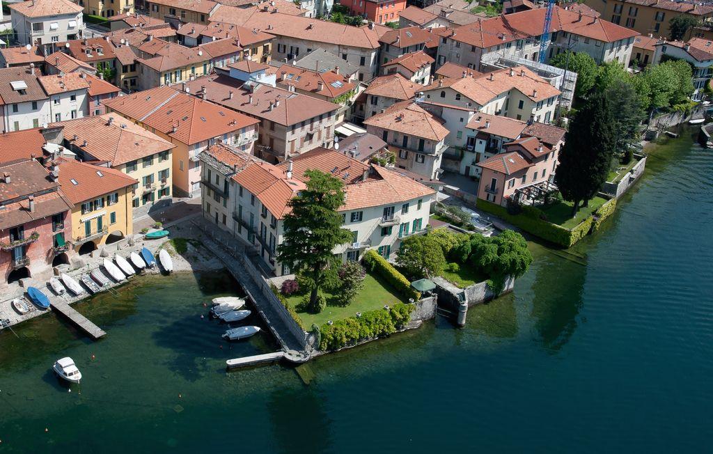 Villa Storica Direttamente a Lago Mandello del Lario