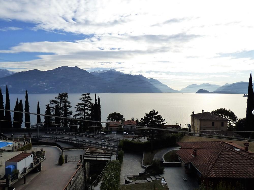 Appartamento menaggio con terrazzo e vista lago di como for Lago vista