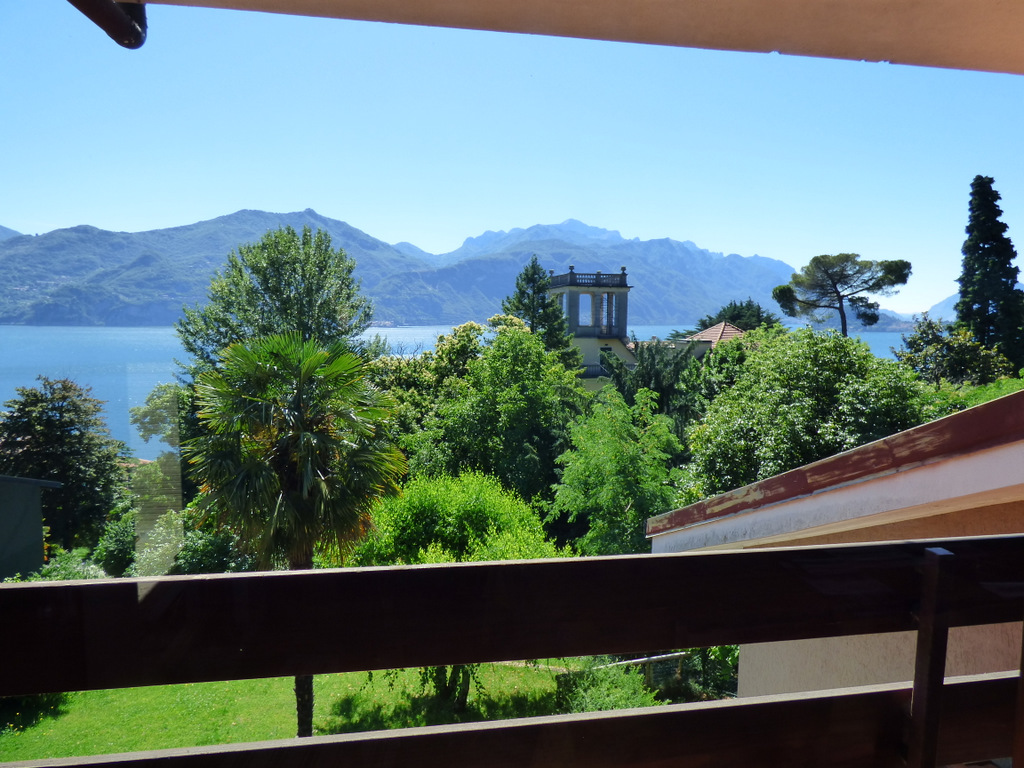 Appartamento Menaggio con terrazzo e vista lago