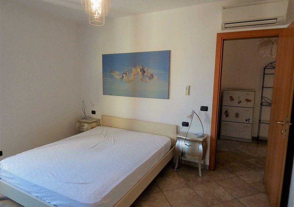 Lago di Como Tremezzo Appartamento - camera da letto con finestra