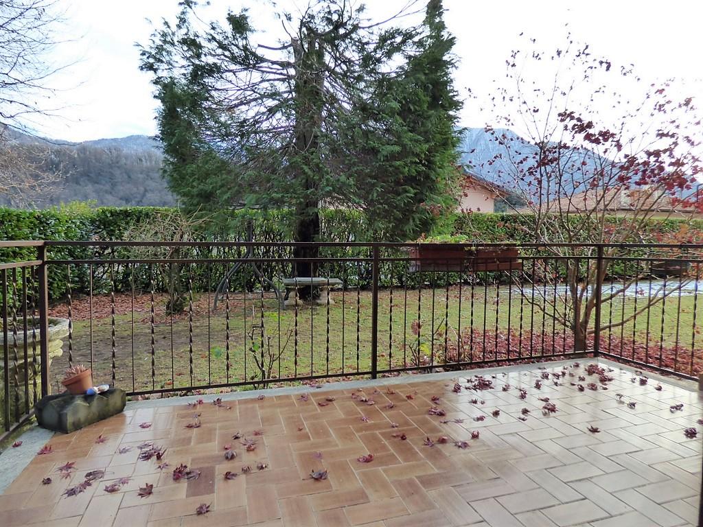 Lago Como Lenno Appartamento con balcone e giardino