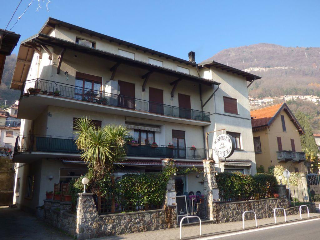 Appartamento con Vista Lago e Posto Auto – San Siro