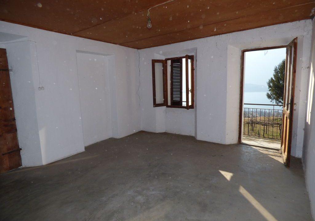 Appartamento Vercana con vista lago