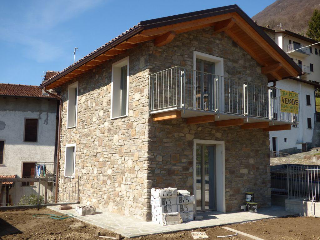 Residence con Piscina Villa Indipendente Gera Lario