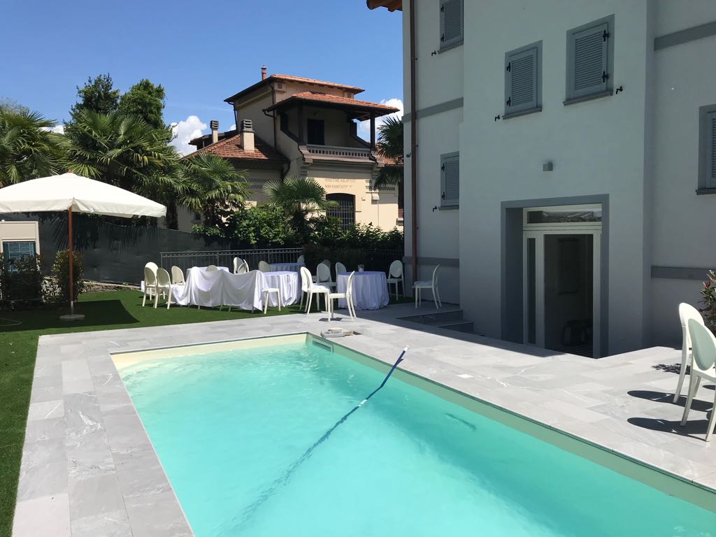 Appartamenti mezzegra con giardini piscina e vista lago - Appartamenti con piscina ...