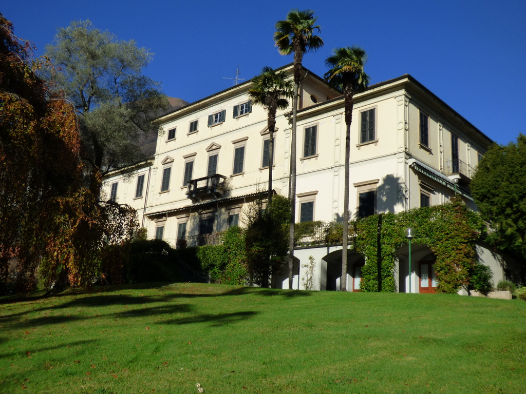 Appartamento Fronte Lago in Villa d'epoca Tremezzo