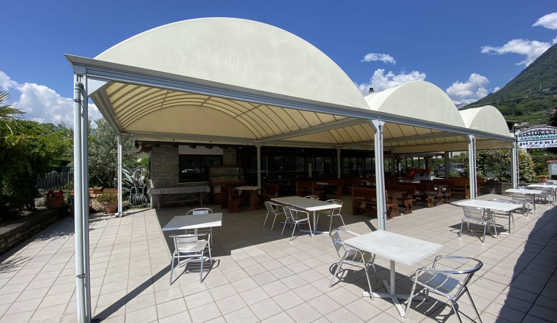 Lago Como Domaso Edificio con Attività Commerciale Avviata Pizzeria