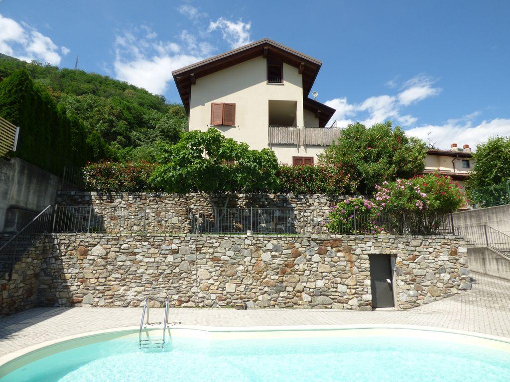 Sorico appartamento in residence con piscina lago como - Residence con piscina ...