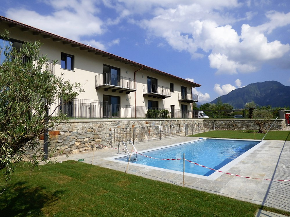 Ossuccio appartamenti in residence con piscina e vista lago - Residence con piscina ...