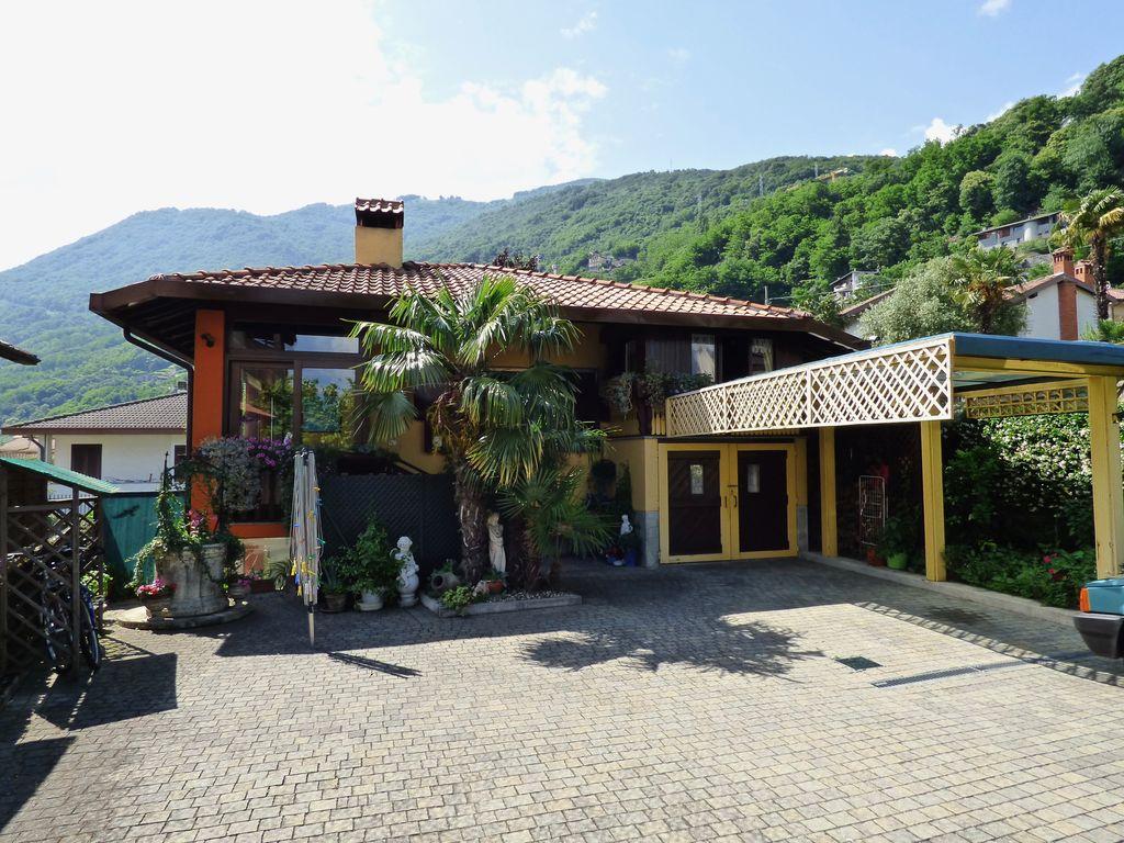 Gera Lario Villa Indipendente con Giardino