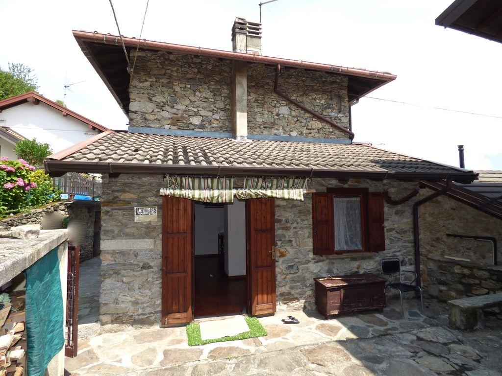 Casa In Sasso con Vista Lago – Gera Lario