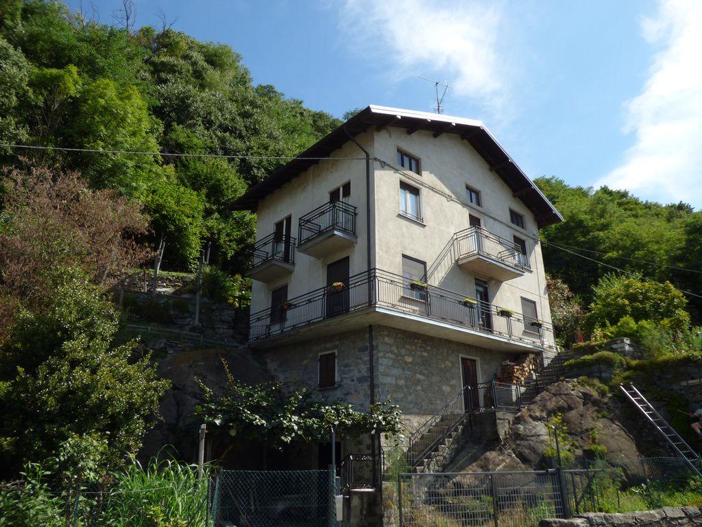 Casa Indipendente con Giardino Sorico Lago Como