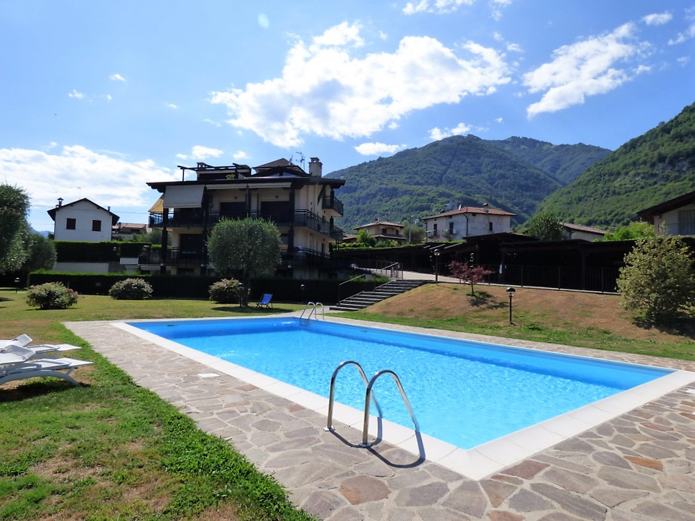 Appartamento Tremezzina con piscina e giardino