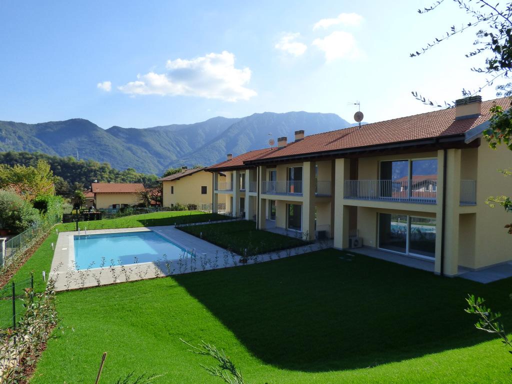 Appartamenti in residence con piscina lenno lago como - Appartamenti con piscina ...