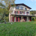 Villa con giardino, terrazzi e vista lago Como