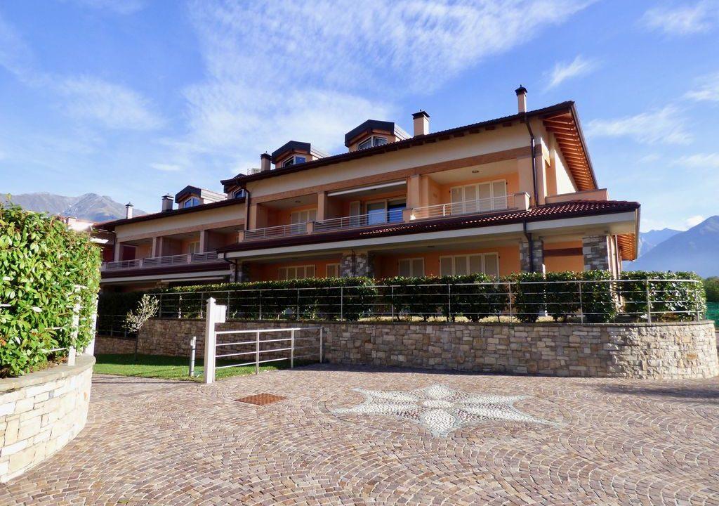 Appartamento Colico residence con Piscina