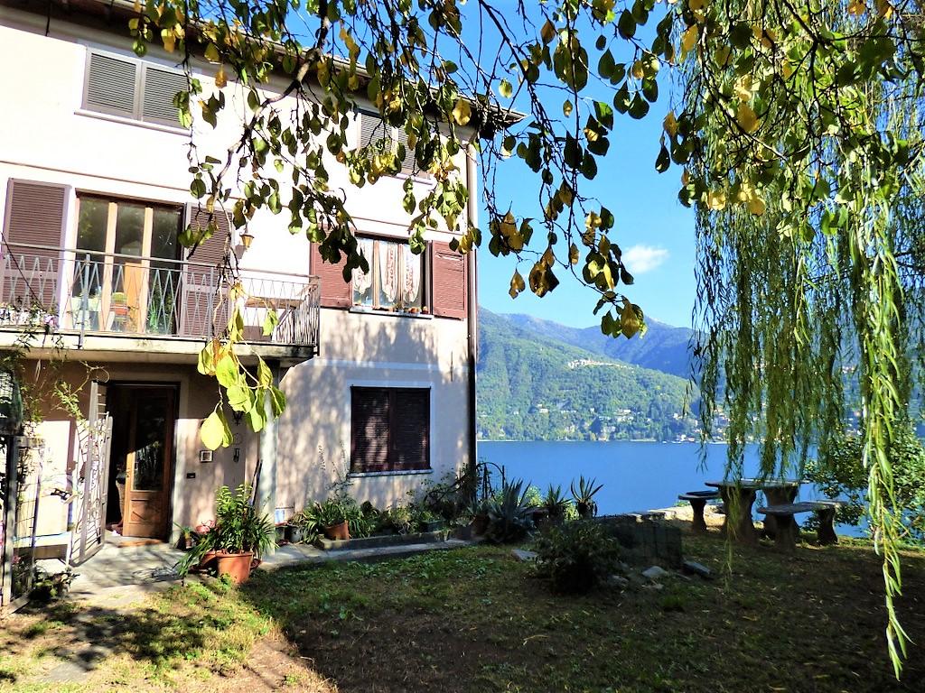 Casa Carate Urio con giardino e balconi Vista Lago Como