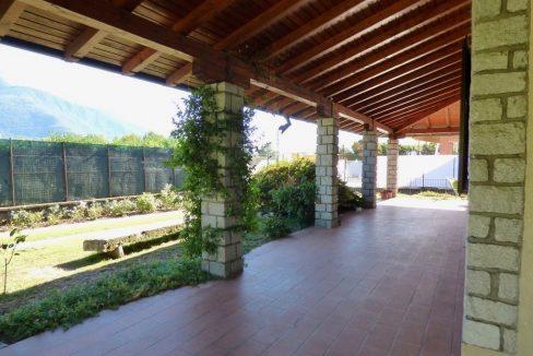 Villa Indipendente Gravedona ed Uniti con portico mq.300