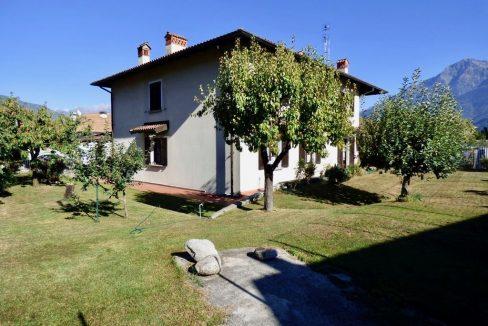 Villa Indipendente Gravedona ed Uniti esterno