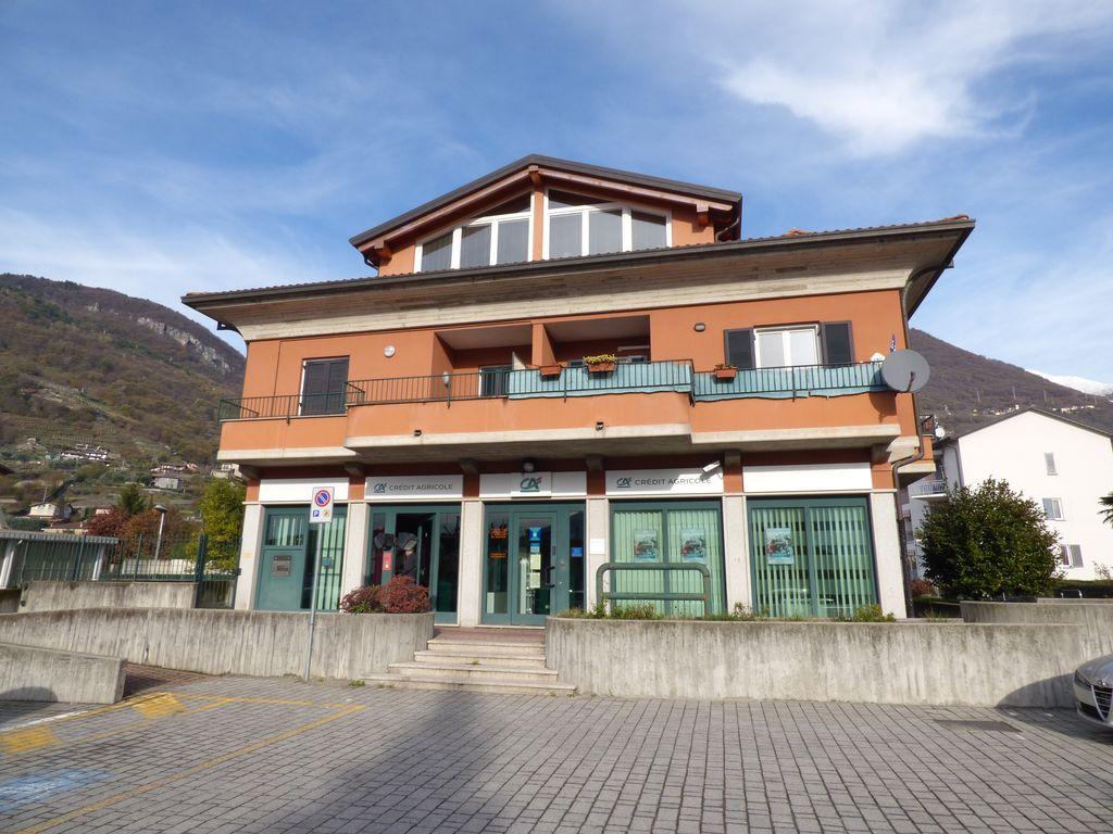 Attività Commerciale Fronte Strada – Lago Como Domaso